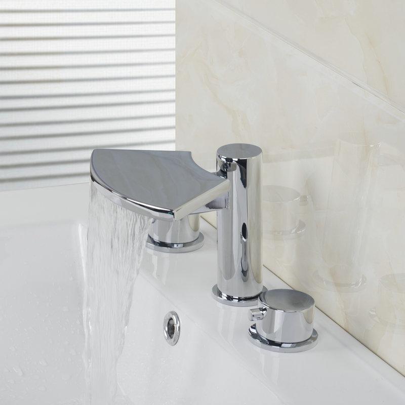 bathroom tub: bathtub knobs
